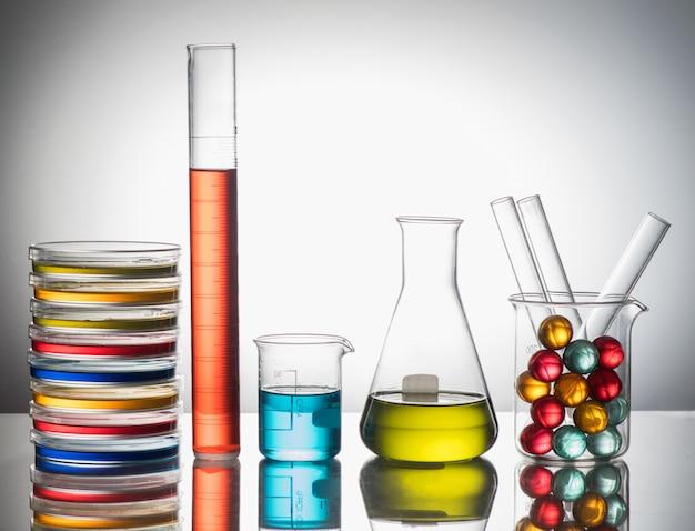 実験用ガラス静物