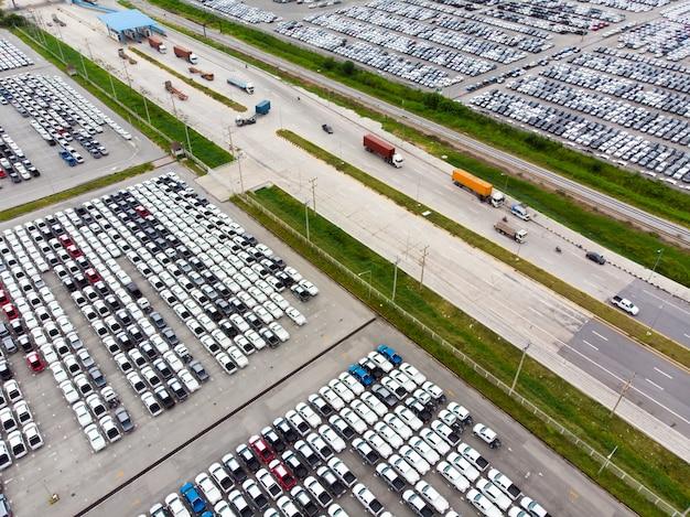 飛行ドローンから空中のトップビュー写真