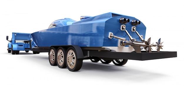 白い背景にレーシングボートを輸送するためのトレーラーと青いトラック