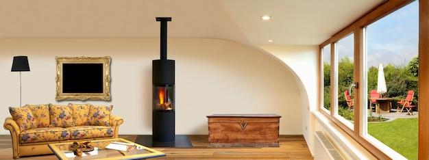 木製の床とパノラマのモダンな改装されたインテリア
