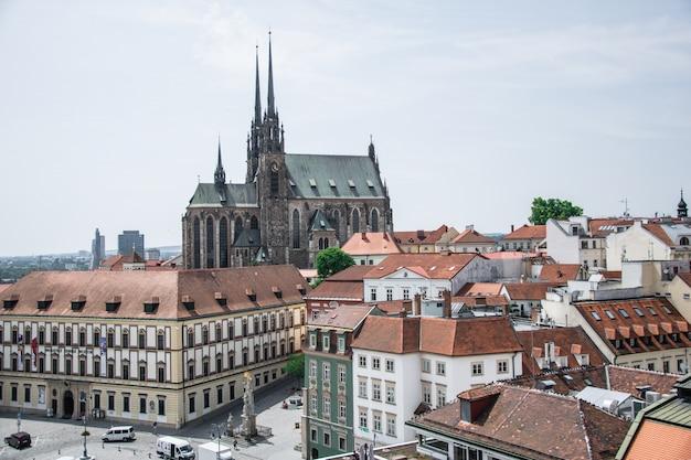セントピーターアンドポール大聖堂、チェコ共和国ブルノの旧市庁舎からの眺め