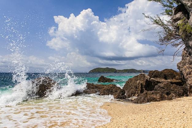 ビーチで水しぶき