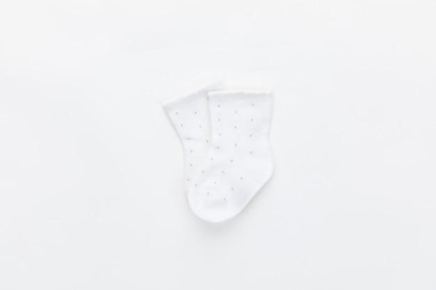 赤ちゃんのカラフルなソックス絶縁