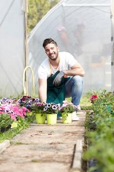 ガーデンストアで働く人々