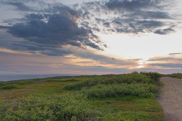 ムルマンスク地方スレドニー半島の北極海の海岸
