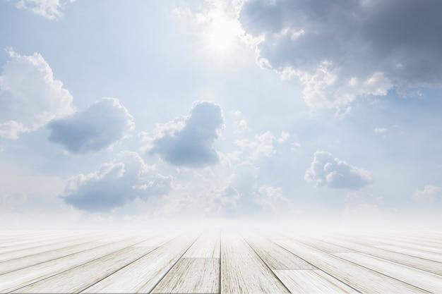 木製の床と空の背景