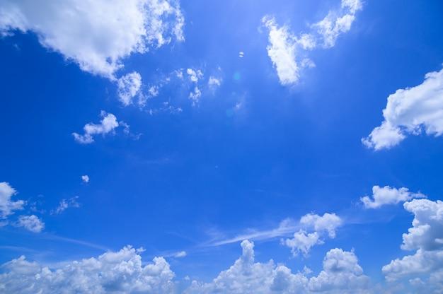 Дневное небо и облака