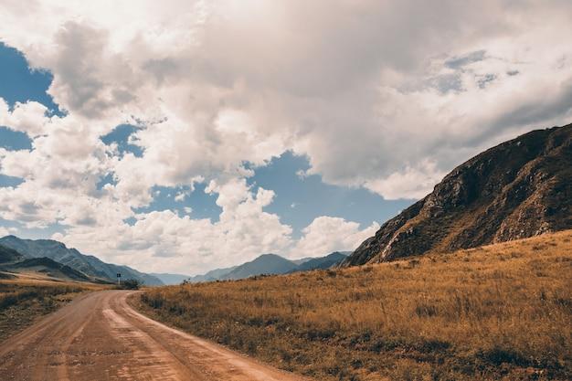山間部の道路