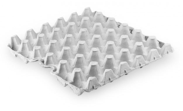卵、白い背景の上のトレイのための紙箱、