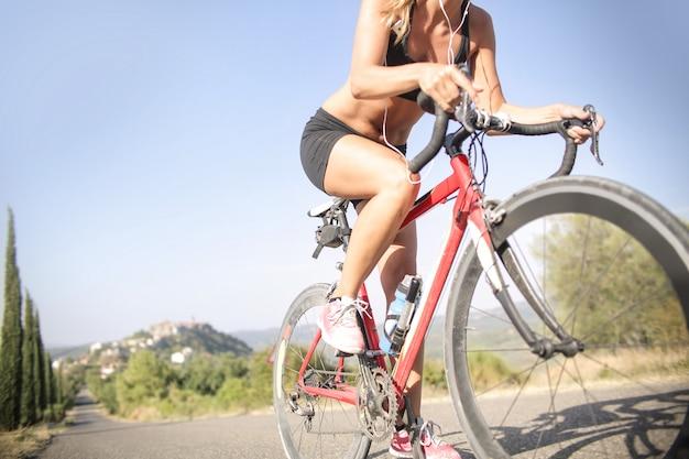 田舎で自転車に乗る
