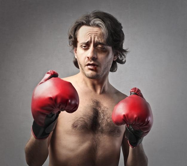 疲れたボクサーの肖像画