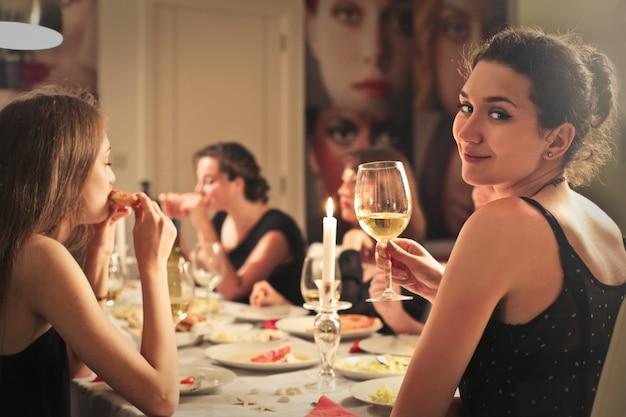 友達と夕食