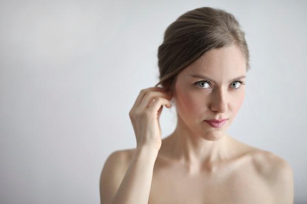 金髪の女性の肖像画