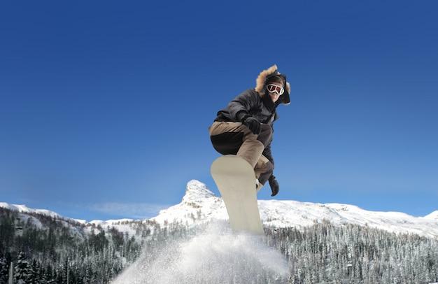 山でのスノーボード