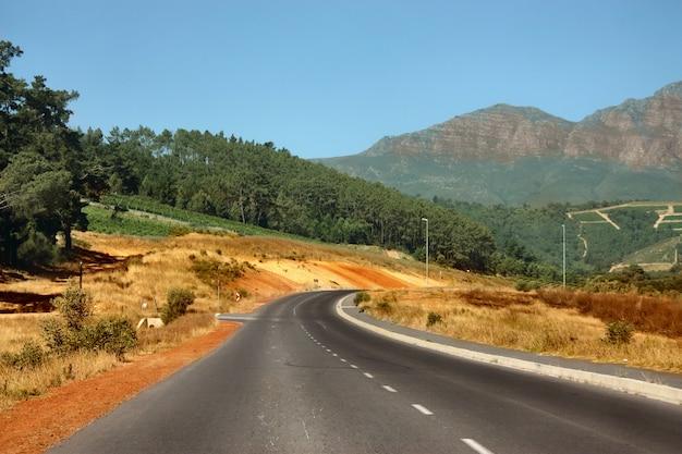 美しい田舎道