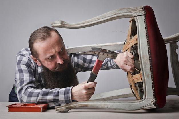 椅子を固定する