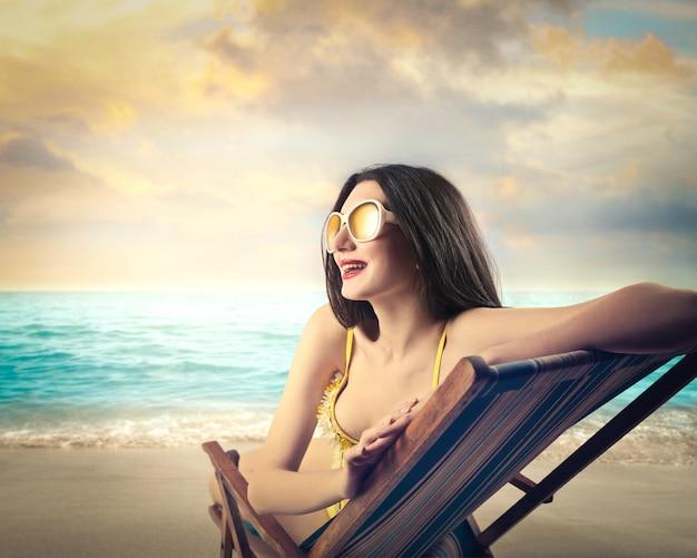 海で休暇を楽しむ
