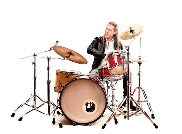 ソロのドラム奏者