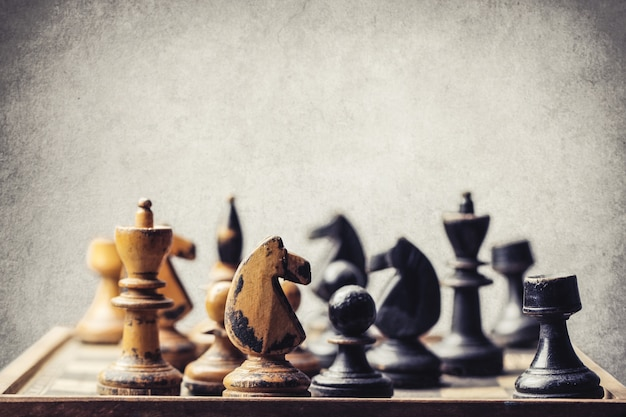 Шахматная доска и шахматы