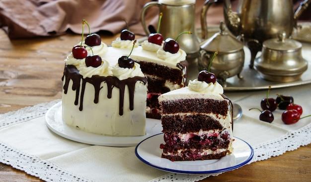 黒い森のケーキ、シュヴァルツヴァルダーキルシュトルト
