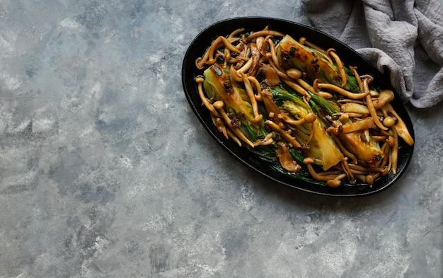 白菜と白菜のしめじとオイスターソース