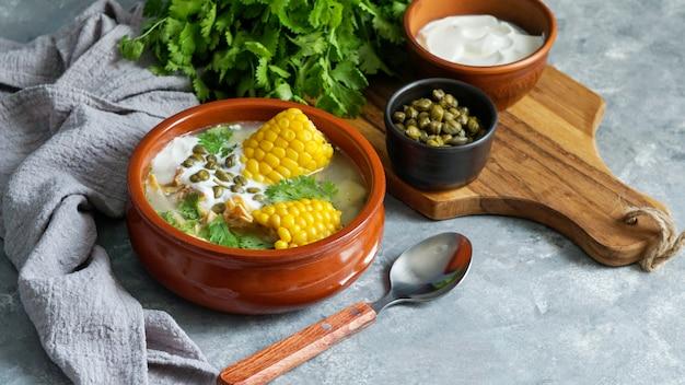 コロンビア、キューバ、ペルーで一般的なパテのスープ。