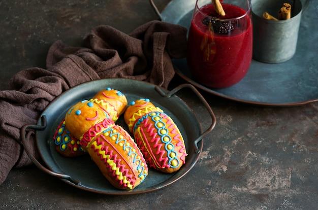 Фигурки эквадорского хлеба