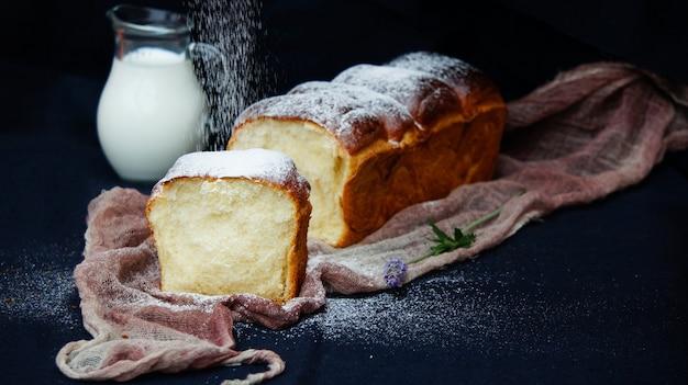 Молочный хлеб хоккайдо, буханка молока