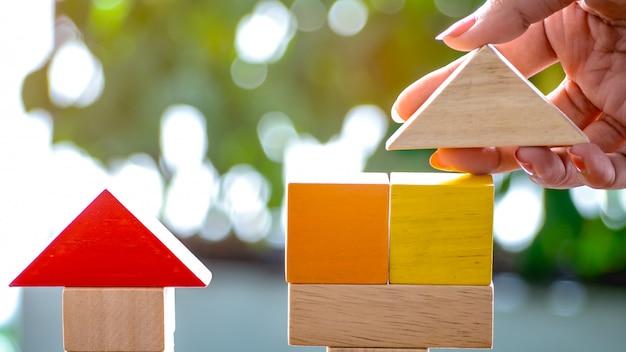 Ручки в кусках деревянные модели сложены как дома