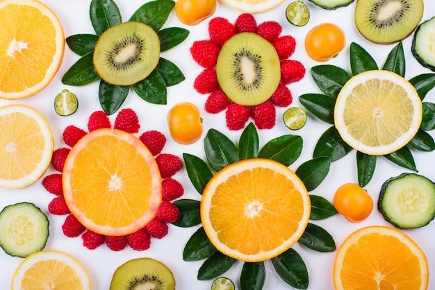Цветы из фруктов