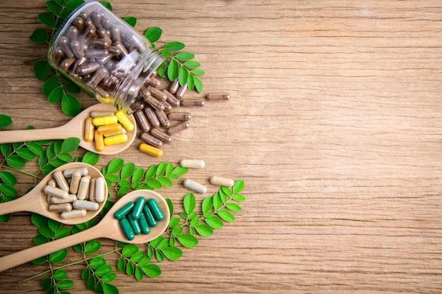 健康に良いハーブからのハーブミントの葉薬