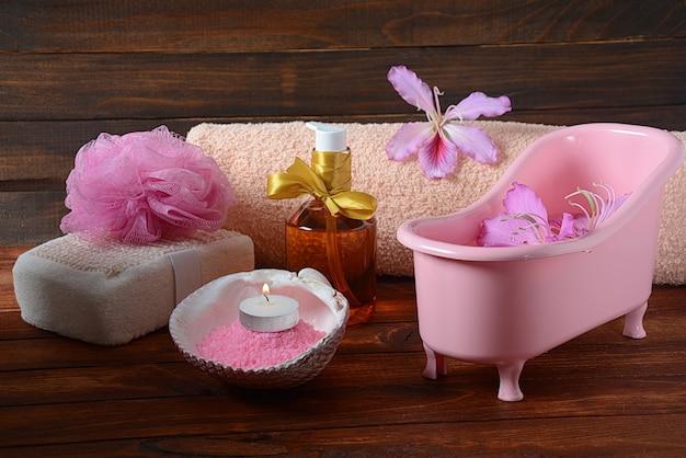 Ароматическая розовая ванна с солью мертвого моря