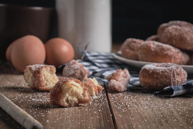 Вкусные домашние пончики