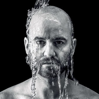 濡れた綺麗な肖像