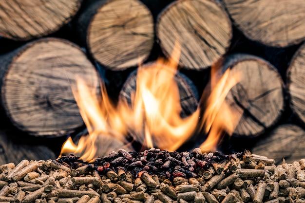 燃える木質ペレット