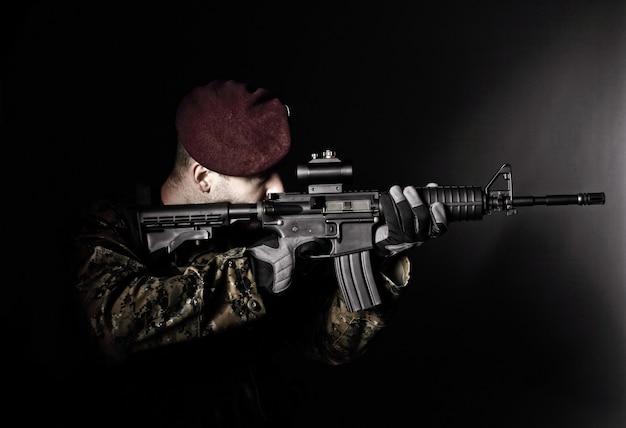 Портрет солдата-десантника