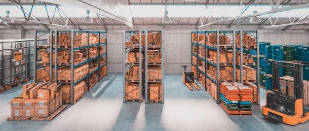 Интерьер склада с полками и поддонами с различными упаковками и товарами.