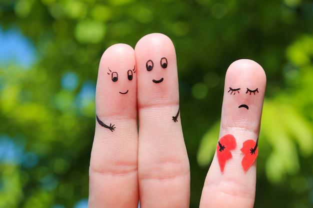 幸せなカップルの指アート。
