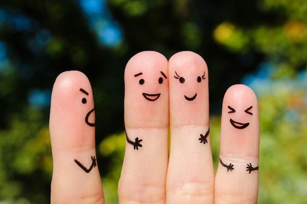 人の指アート。男のコンセプトは人々を叱る、と彼らは笑う。