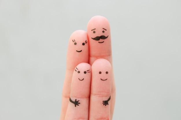 Пальцы искусство счастливой семьи. концепция родителей и детей вместе.