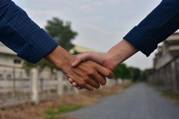握手成功プロジェクト信頼概念日光