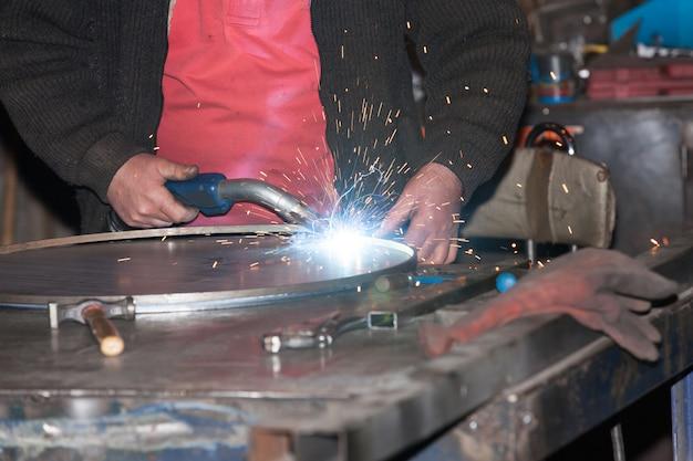 Сварной стальной железный металл