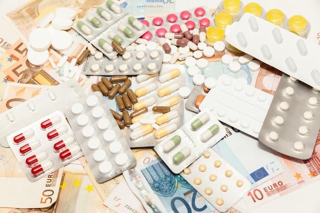 健康薬のお金