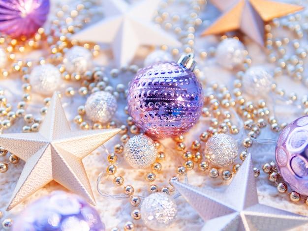 Рождественская звезда украшения на белом фоне трикотажные.