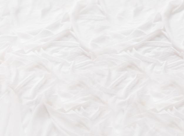 Белая шелковая ткань