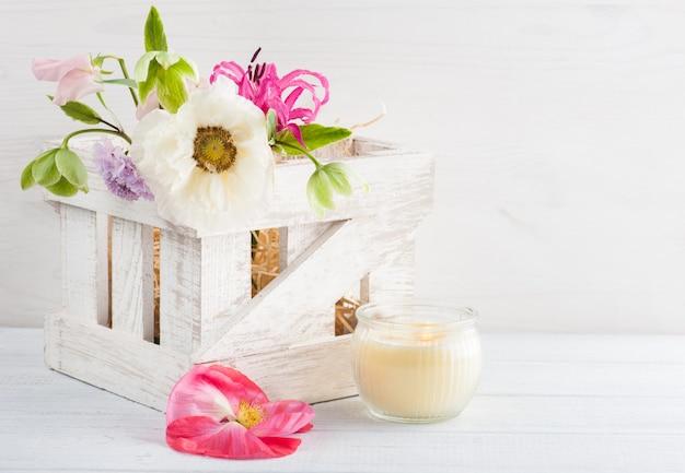 ポピーと花の木箱