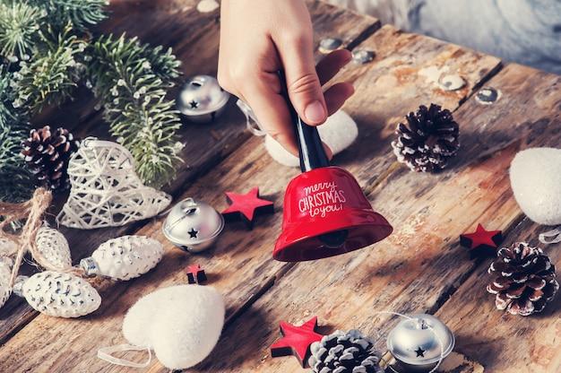 レッドベルメリークリスマスとギフトボックス