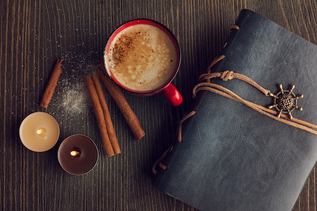 シナモンとコーヒーのセラミック赤カップ