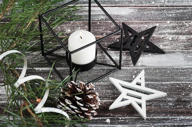 Новогодняя елка и звезды