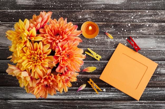 菊と秋の表面